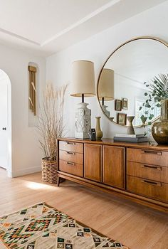 The Cali Bungalow of this couple is filled with barrier-free purchases - Lon ., The Cali bungalow of this couple is filled with barrier-free shopping - Lon ., The Cali bungalow of this couple is . Design Living Room, Living Spaces, Living Room Trends, Small Living, Room Decorations, Decor Room, Tv Decor, Wall Decor, Boho Decor