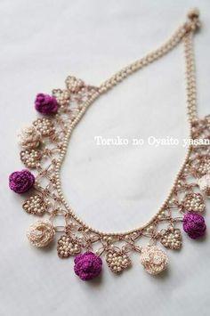 ... Fabric Jewelry, Diy Jewelry, Beaded Jewelry, Jewelery, Handmade Jewelry, Jewelry Making, Wire Crochet, Freeform Crochet, Thread Crochet