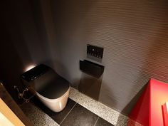 『イエナカ手帖』に投稿されたTKSさんのトイレの記事『タイトル:トイレの床にも注目』です。家の中(イエナカ)の知識や工夫を共有して、イエナカの暮らしをもっと楽しもう!