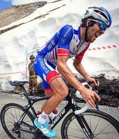Thibaut Pinot Stage 19 Giro 2018 credit @keitsuji Pro Cycling, Road Bike, Bicycles, Stage, Sports, Cycling, Sport, Bicycle, Bike