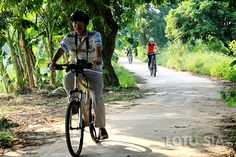 A day bike tour Hanoi to But Thap, Phat Tich pagoda  #biketourhanoi