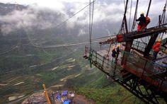A ponte suspensa mais alta do mundo localiza-se na China e denomina-se de ponte Aizhai.