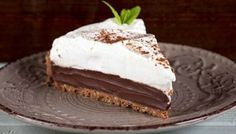 Chocolate tart by Greek chef Akis Petretzikis. A rich, magnificent chocolate tart with a homemade chocolate tart shell that will impress your guest to the max! No Cook Desserts, Party Desserts, Chocolate Pies, Homemade Chocolate, Tart Recipes, Sweets Recipes, Greek Recipes, Greek Sweets, Happy Foods