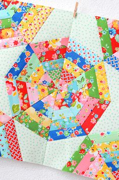 Spider Web Quilt Block - Foundation Paper Piecing für Einsteiger. Nähkurse /Patchworkkurse mit Nadra Ridgeway von ellis & higgs. Alle aktuellen Termine und Themen hier! Here you\'ll find my patchwork class schedule!