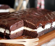 Marshmallow Fluff Recipes - Whoopie Pie Cake.  Image:  Huffington Post/Cookies & Cups.
