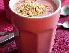 Marjarahkasmoothie  valmistusaika 10 minuuttia Mittaa kaikki ainekset tehosekoittimeen ja pyöräytä juotavaksi tai lusikoitavaksi jälkiruoaksi. Smoothien voi nauttia myös aamupalaksi. Koti, Smoothies, Cereal, Breakfast, Smoothie, Morning Coffee, Breakfast Cereal, Smoothie Packs, Corn Flakes