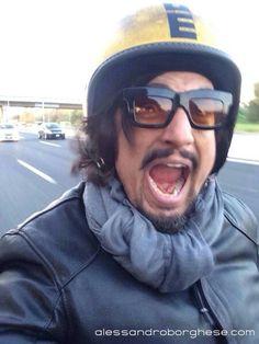 Ciaoooooooooooo! ;-))) Buonaaaaaaaaa giornataaaaaaaaaaaaaaaaa! #Milano #StayRock