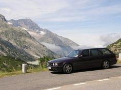 BMW M5 E34 (1988-1995) Touring. RS2? Curto, mas prefiro essa daí. Seis em linha, 3.8, 340cv.