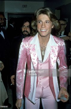 Andy Gibb Get premium, high resolution news photos at Getty Images Andy Gibb, 70s Inspired Fashion, 70s Fashion, American Music Awards, Hot Blondies, Victoria Principal, Artist Film, Drag King, Satin Jackets