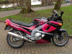 1992 Kawasaki ZZR 600 / ZX6