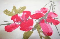 VINTAGE VERA NAPKINS - Set of 4 - White w/ Pink Flowers - 16 x 16 -