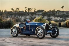 Michel Bugatti is Ettore Bugatti's son. He and his daughter, Caroline Bugatti, each own a Pur Sang. No greater endorsement exists for the authenticity of the engineering, build quality and driving experience of a Pur Sang Type Bugatti Type 35, Bugatti Auto, Bugatti Veyron, Replica Cars, Pur Sang, Auto Retro, Retro Cars, Jaguar Xk, Old Classic Cars