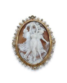 AN ANTIQUE SARDONYX, PEARL, DIAMOND, SILVER, 14K AND 9K GOLD CAMEO BROOCH - 19th century
