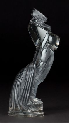 R. LALIQUE CLEAR GLASS COQ HOUDAN MASCOT WITH GRAY PATINA .Circa 1929 . Engraved: R. LALIQUE .
