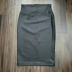 Pleather pencil skirt Women's brand new Windsor pleather pencil skirt size medium WINDSOR Skirts Pencil
