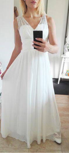 26 nejlepších obrázků z nástěnky Svatební šaty  bfb836598f