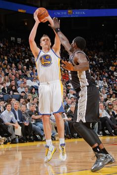 4.15.14 | David Lee posted another double-double (12 points, 11 rebounds).