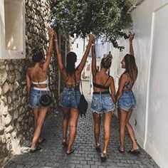 Pin by marykayte on that's my girl cute friend pictures, friend photos, bff Photos Bff, Best Friend Photos, Best Friend Goals, 4 Best Friends, Friend Pics, Summer With Friends, Bff Pics, Close Friends, Friends Forever