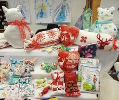 Mirtusz Melinda (@mirtusz_szivderito_alkotasok) • Instagram-fényképek és -videók Advent, Gift Wrapping, Gifts, Instagram, Paper Wrapping, Presents, Wrapping Gifts, Favors, Gift Packaging