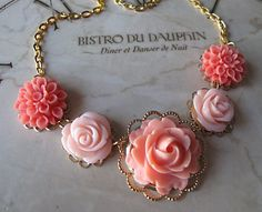 Coral Flower Necklace Coral Bridesmaid Jewelry by , via Etsy. Bridesmaid Jewelry, Wedding Jewelry, Bridesmaids, Bridesmaid Dresses, Biscuit, Vintage Inspiriert, Coral Jewelry, Girly, Flower Necklace