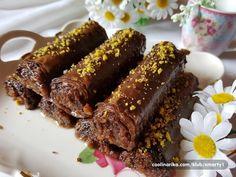 Ferrero Rocher Baklava — Coolinarika Greek Desserts, Individual Desserts, Ferrero Rocher, Apple Rose Pastry, Baking Recipes, Cookie Recipes, Baklava Cheesecake, Middle Eastern Desserts, Kolaci I Torte