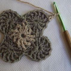 CrochetDad Ramblings: CrochetDad's Wheel Stitch Block Tutorial - Fourth Round