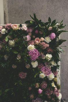 Handmade flower crown from Vienna. ❤ Exclusive custom made wedding crowns for brides ❤ Blumenkranz handgemacht in Wien anfertigen lassen. Handmade Flowers, Flower Crown, Flower Decorations, Bride, Wedding, Floral Wreath, Crown Flower, Wedding Bride, Valentines Day Weddings