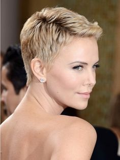 Charlize Theron is a goddess of pixie hairstyles! So we have rounded up best images of Charlize Theron Pixie Haircut for you to get inspired by her fabulous Short Hairstyles 2015, Short Pixie Haircuts, Cute Hairstyles For Short Hair, Summer Hairstyles, Bob Hairstyles, Pixie Haircut 2014, Short Quiff, 2018 Haircuts, Haircut Bob