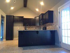 John Easterling Construction, The Harwood Plan, Kitchen Custom Maple  Cabinets, Dallas White Granite