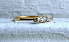 Lovely Graduated British Vintage 18K Yellow Gold Ring by #GoldAdore, $585.00