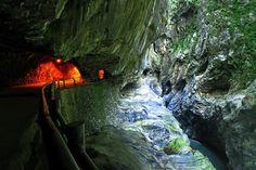 不可思議的台灣自然景點 探索太魯閣奇景-MOOK景點家 - 墨刻出版 華文最大旅遊資訊平台