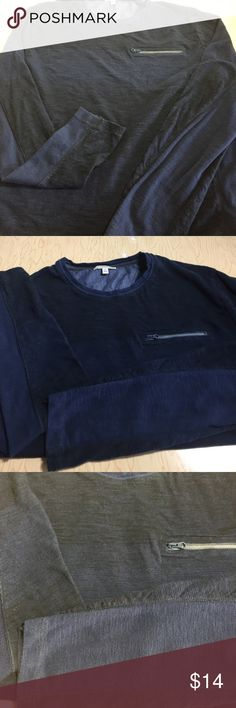 """Gap L/S men's casual top tee shirt M Jersey cotton fabric shirt in solid navy and navy black print.  Single chest zipper pocket. Wet soft size men's M, Measures; Chest; 38"""" Length; 26"""" GAP Shirts Tees - Long Sleeve"""