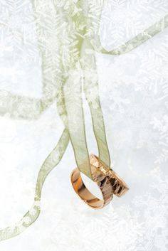 Ideas for an elegant winter wedding on a tight budget.