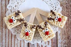 Pretty much the cutest dessert recipe for the holidays you'll ever see- Reindeer Rice Krispies!