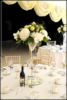 nice Most Appealing Floral Arrangements for Weddings You Must Choose Check more at http://www.scentimentsflowers.com/most-appealing-floral-arrangements-for-weddings-you-must-choose/