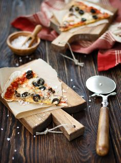 Seafood pizza with rose sault