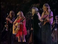Dixie Chicks & Stevie Nicks - Landslide (Live Divas Las Vegas 2002) HDTV / this is fabulous!