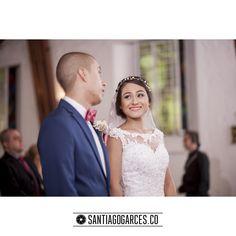 Santiagogarces.co   +   Diegoalzate.com @Santiagogarces.co  #fotografía #social #groom #weddings #lovestory #justmarried #love #weddingideas LUMINOTECNIA @angela__posada #amor #love #fotosmatrimonio #matrimonio #santiagogarces.co #colombia #Fotografo #strobist #portrait Para ver más visita Santiagogarces.co