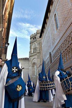 Holy Week: semana santa zaragoza españa   Cofr