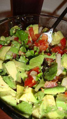 Fresh Chunky Guacamole Salad
