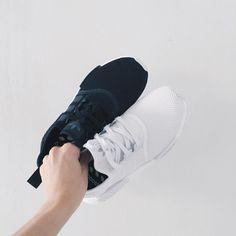Monochrome bliss       #vsco #vscocam #vscogrid #vscodaily #waywt #wsaywt #wdywt #hypebeast #hypefeet #adidas #minimalmovement #sneakers #sneakerhead #shoegame #shoeporn #kickstagram #igsneakers #highsnobiety #mistreetco #mobilesneakers #complexkicks #nicekicks #kicksonfire #ItsAboutDetail #adidasgallery #originals_only #teamcozy #adidasnmd #nmd #boostvibes by hypebeash