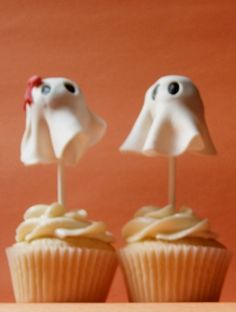 His & Her Halloween Ghost Cupcakes by clevercupcakes, via Flickr