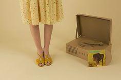 A italiana Lazzari , que eu AMO, acaba de lançar a Coleção Primavera/Verão 2014 ! (Lembram da Party Collection que postei aqui  no final ...