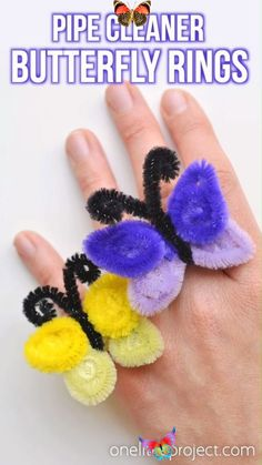 How to Make Pipe Cleaner Butterfly Rings These pipe cleaner butterfly rings are SO SIMPLE to make and they're so pretty! This is such a fun and easy kids craft idea and a super fun summer craft. It's also a great craft for teens, tweens and even adults! All you need are a few pipe cleaners and in less than 5 minutes you can make an awesome homemade ring!<br> These pipe cleaner butterfly rings are SO SIMPLE to make and they're so pretty! This is such a fun and easy kids craft idea and a super… Diy Crafts For Tweens, Summer Crafts For Kids, Fun Diy Crafts, Spring Crafts, Preschool Crafts, Wood Crafts, Kids Diy, Summer Diy, Creative Crafts
