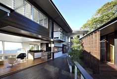 Love this indoor/outdoor mixture. Maleny House (Queensland - Australia) designed by Bark Design Architects