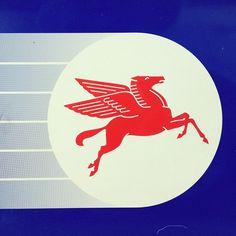 Update: Mobil Oil Pegasus Logo (original: Can't remember this logo...)