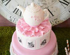 Edible Alice in Wonderland / Tetera Fondant Cake Topper / apelmaza para Alice in Wonderland Party o Fiesta del Té