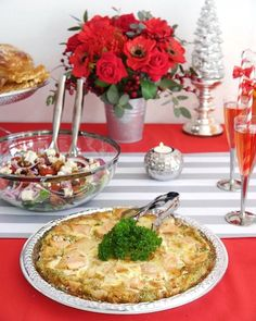 Red and Silver Christmas Holiday Brunch Ideas + Recipes - easy to style ideas, tablescape and dishes for a magical seasonal winter brunch! Christmas Giveaways, Christmas Brunch, Christmas Holidays, Silver Christmas, Christmas Trees, Christmas Ribbon, Brunch Table, Brunch Party, Quiche Recipes