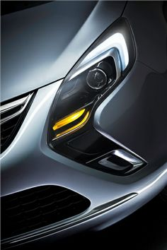 Opel Zafira Tourer, 2011