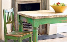 love this green and distressed look!